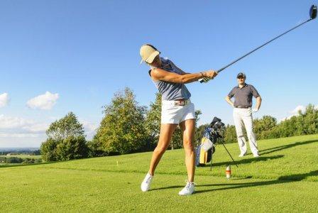 Impreza integracyjna na polu golfowym